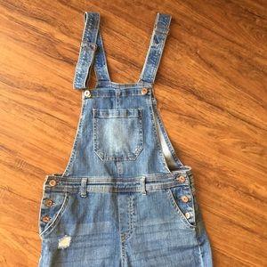 True craft skinny, distressed denim overalls sz 7